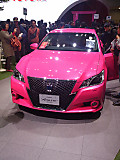 26toyota_pinkcrown