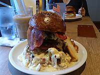 17yoko18_yokosuka_navy_burger_ronal