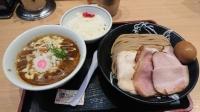 19_9_29_tomitasyokudou_curry_tsukemen